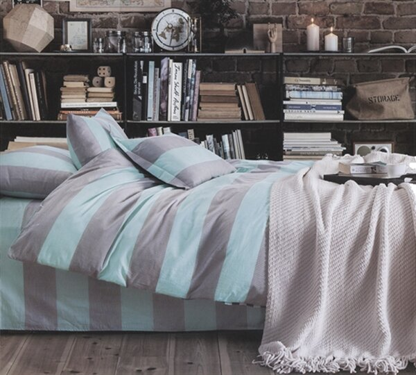 Batavia Simply Comforter by Ivy Bronx