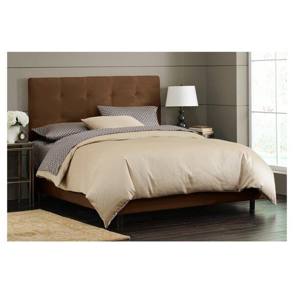 Parnell Tufted Upholstered Platform Bed by Skyline Furniture