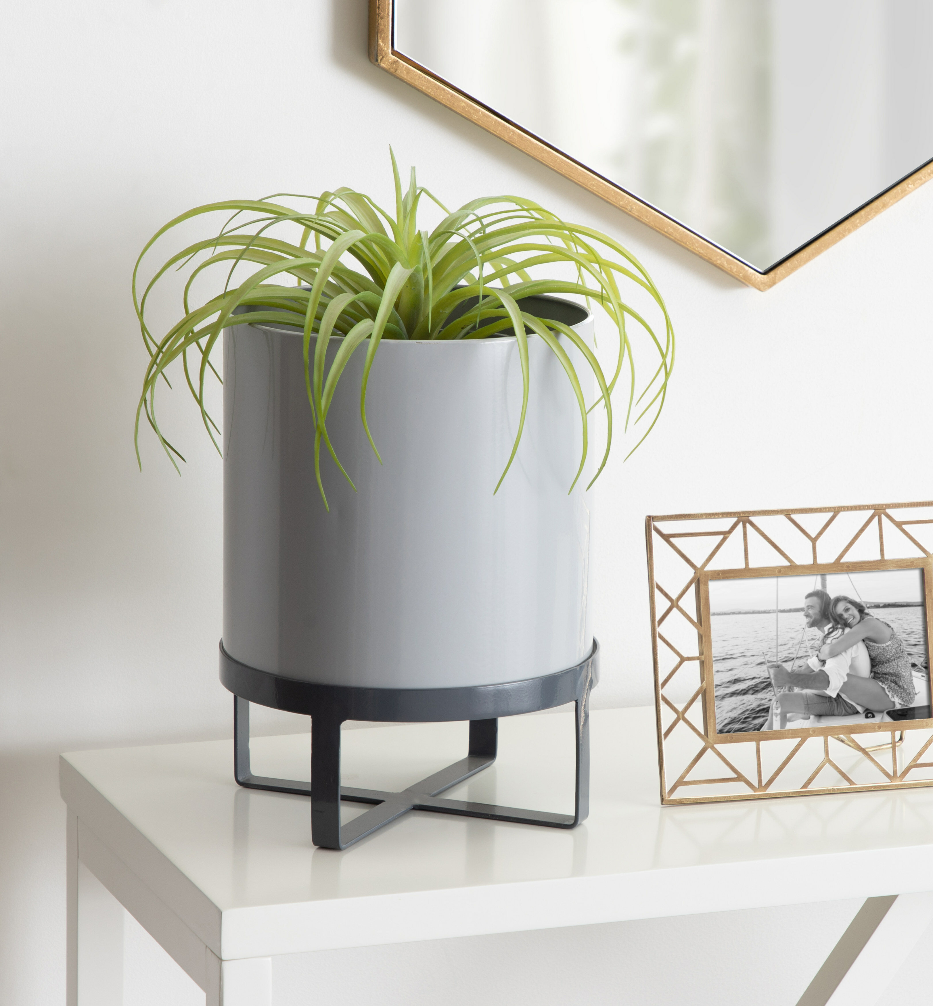 Wrought Studio Keithley Modern Two Tone Metal Plant Stand And Pot Set For Decorative Indoor Houseplants Grey Reviews Wayfair Ca