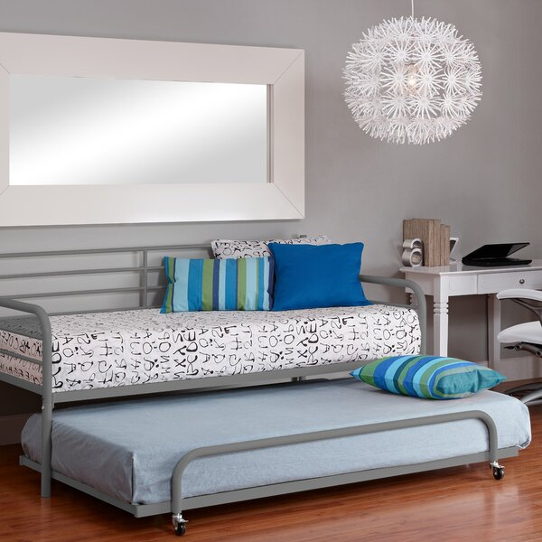 Salguero Metal Daybed With Trundle by Latitude Run