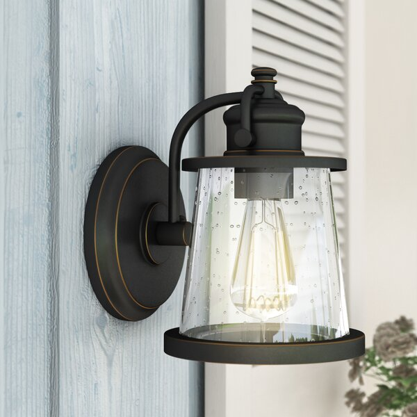 Chenoweth 1-Light Outdoor Wall Sconce by Gracie Oaks