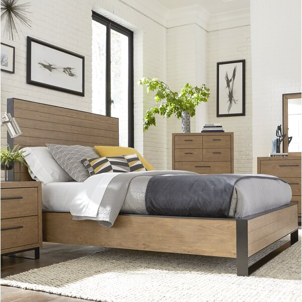 Crestline Platform Bed by 17 Stories
