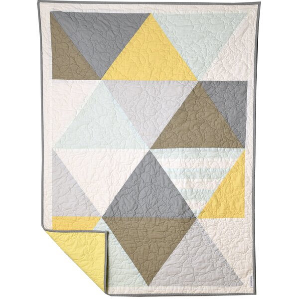 Middlefield Patch of Sunlight Quilt by Harriet Bee