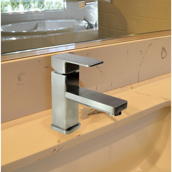 Single Hole Bathroom Faucet with Drain Assembly