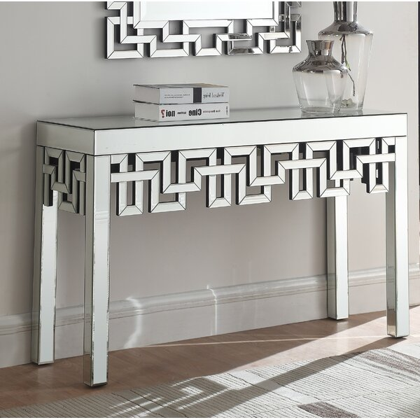 Luong Console Table by Everly Quinn