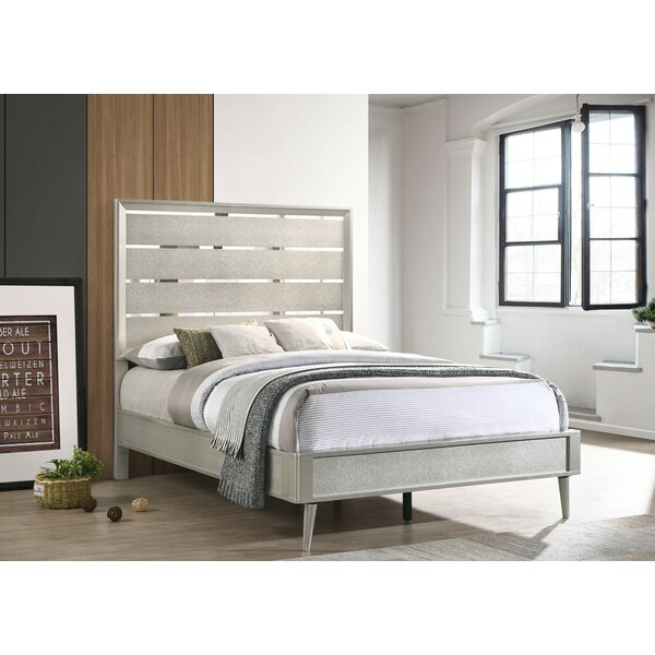 Windle Standard Bed by House of Hampton