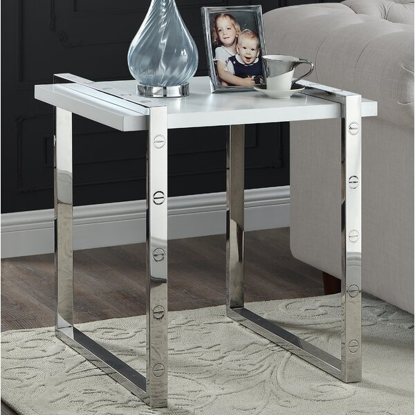 Clem End Table by Everly Quinn