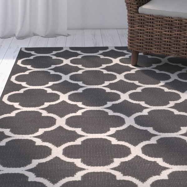 Desota Hand-Woven Dark Gray/Ivory Area Rug by Breakwater Bay