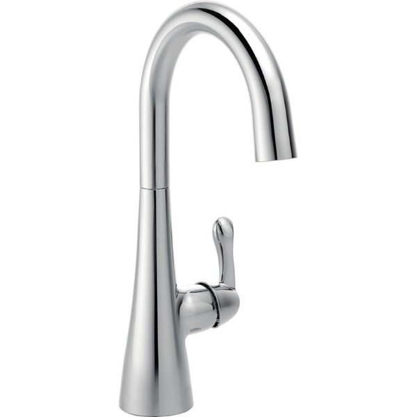 Transitional Single Handle Faucet with Swivel Spout by Delta Delta