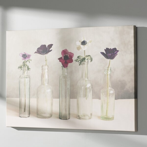 Primavera Photo Graphic Print on Canvas in Gray by August Grove