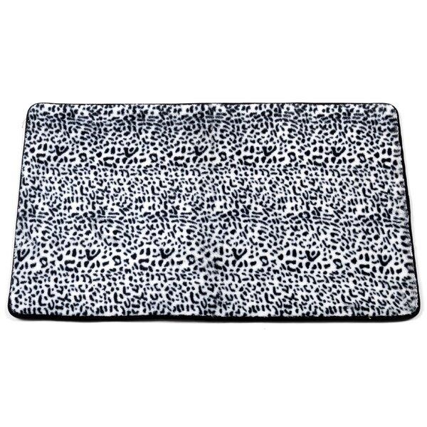 Shadai Snow Leopard Faux Fur Bath Mat by Bloomsbury Market