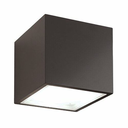Bloc Outdoor Flush Mount by Modern Forms