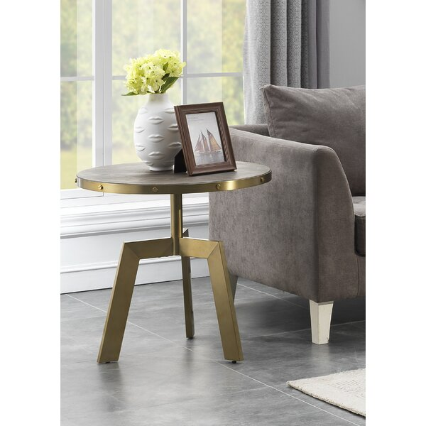 Rockport End Table by Everly Quinn