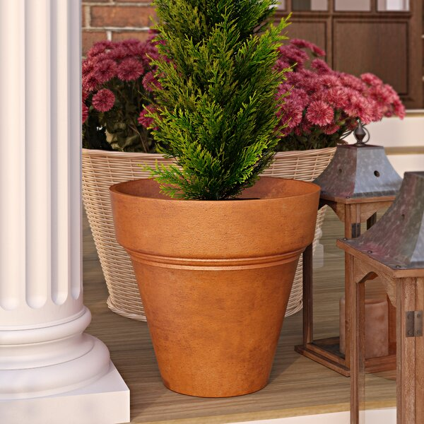 Bellmont Composite Pot Planter by Three Posts