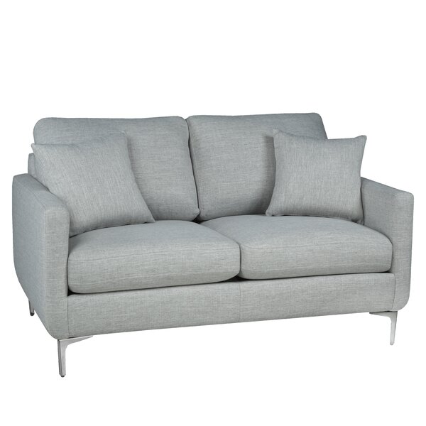 Review Spofford Loveseat