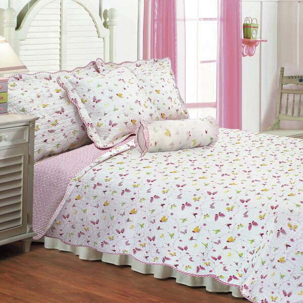 Reversible Quilt Set by Textiles Plus Inc.