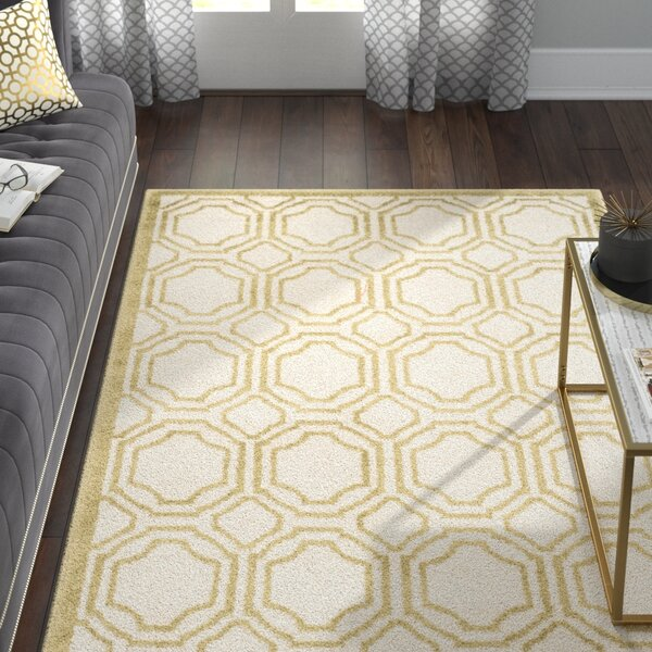 Maritza Power Loomed Ivory/Light Green Indoor/Outdoor Area Rug by Willa Arlo Interiors