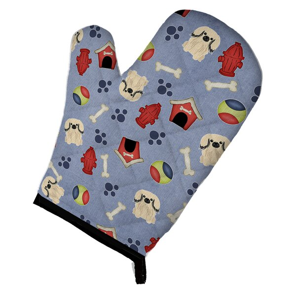 Dog House Pekingese Oven Mitt by Caroline's Treasures