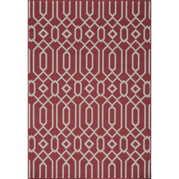 Halliday Traditional Red Geometric Indoor/Outdoor Area Rug by Beachcrest Home
