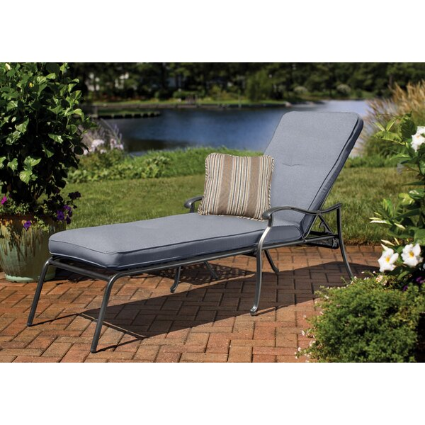 Pinheiro Chaise Lounge with Cushion