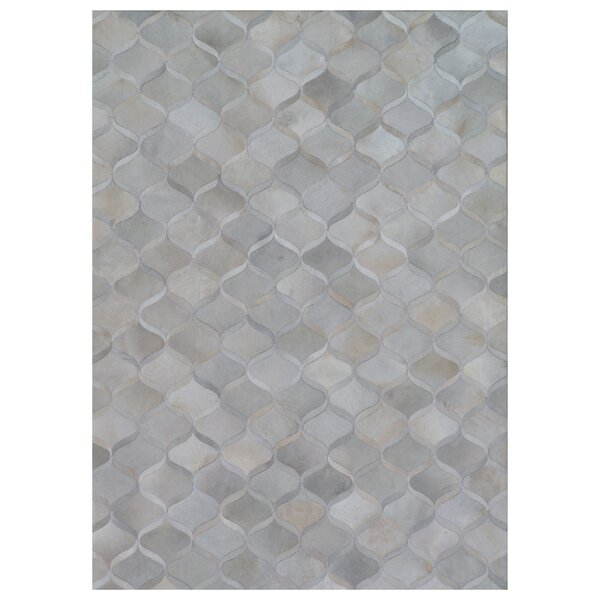 Natural Hide Hand-Tufted Cowhide Beige/Gray Area Rug by Exquisite Rugs