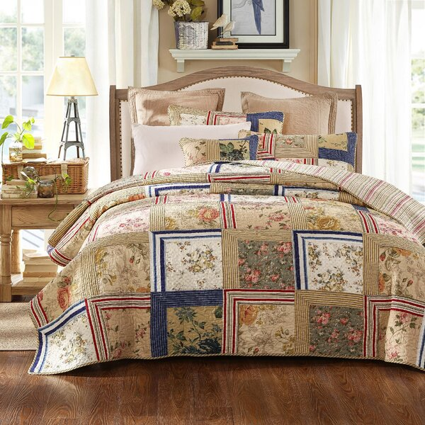 Marianne Reversible Quilt Set