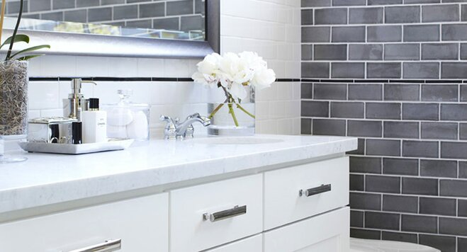 10 Essentials For Decorating A Bathroom Vanity