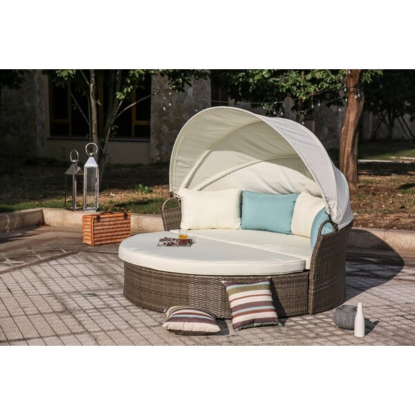 Harlow Daybed with Cushions by Beachcrest Home