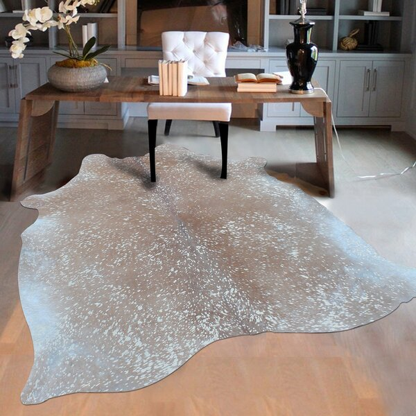 Elegant Luminous Cowhide Gray Area Rug by Rug Factory Plus
