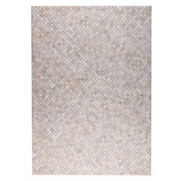 Chess Hand woven White Area Rug by M.A. Trading