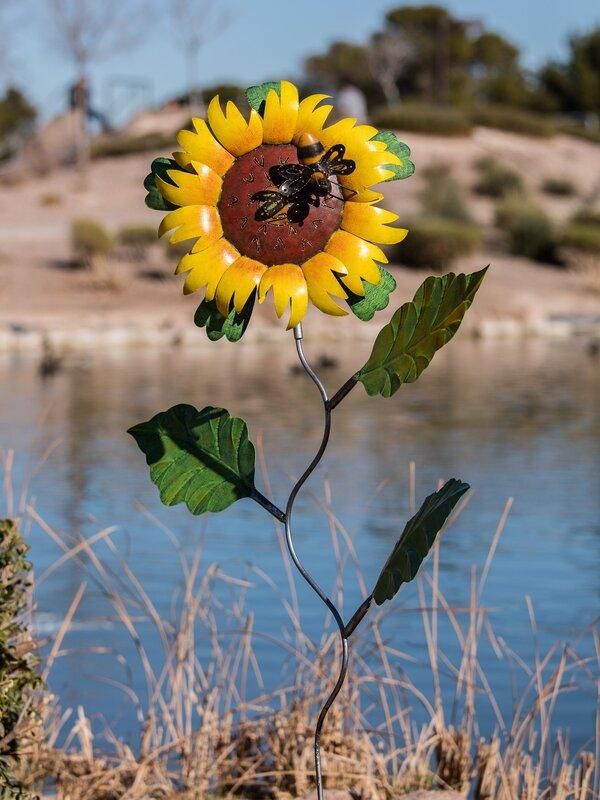 Bali Garden Metal Sunflower With Bee Garden Stake