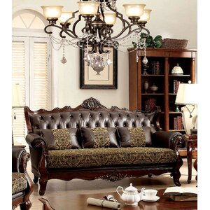 Hankins Traditional Chesterfield Sofa by Astoria Grand