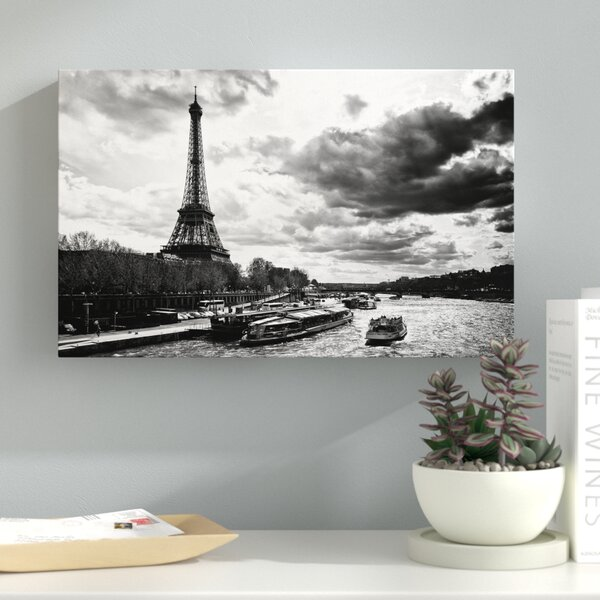 Romantic Stroll in Paris Photographic Print on Wrapped Canvas by Latitude Run