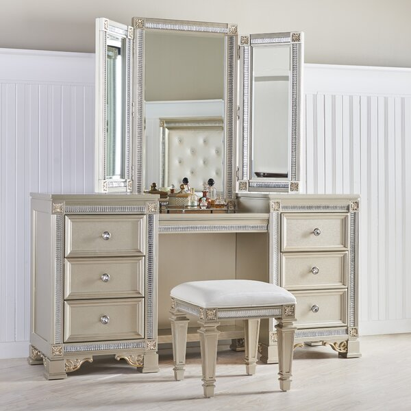 Skaggs Vanity with Mirror by House of Hampton House of Hampton
