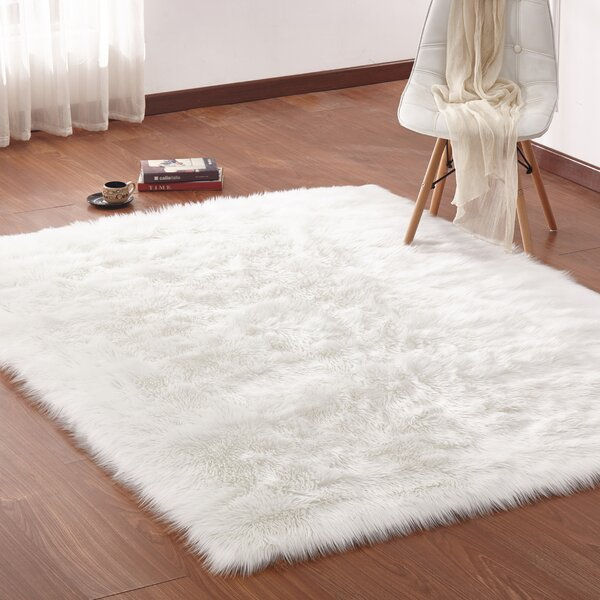 Zoya Faux Fur Ivory Area Rug by Everly Quinn