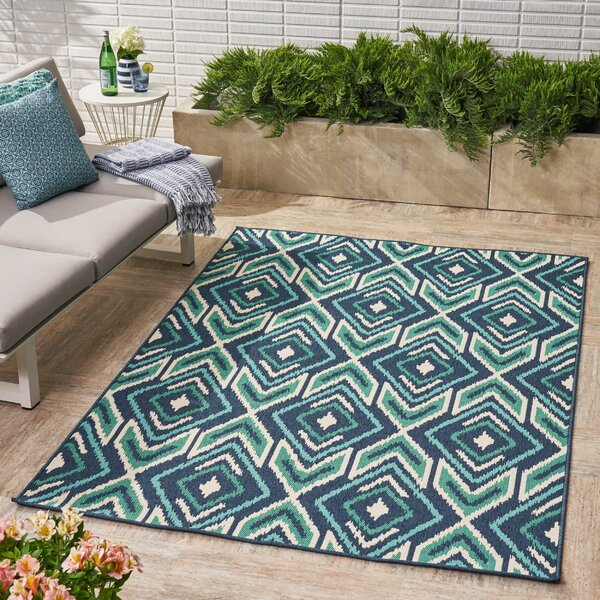 Brunton Geometric Navy Indoor/Outdoor Area Rug by Ivy Bronx