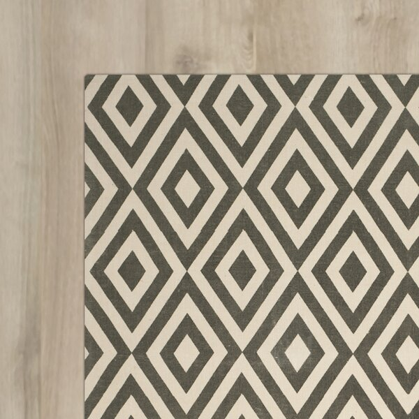 Columbus Circle Hand-Loomed Ivory/Grey Area Rug by Wrought Studio
