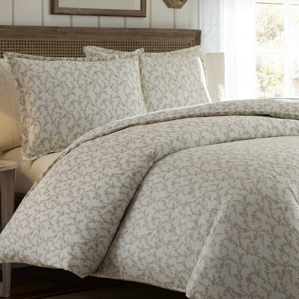 Victoria Reversible Duvet Set by Laura Ashley Home by Laura Ashley Home