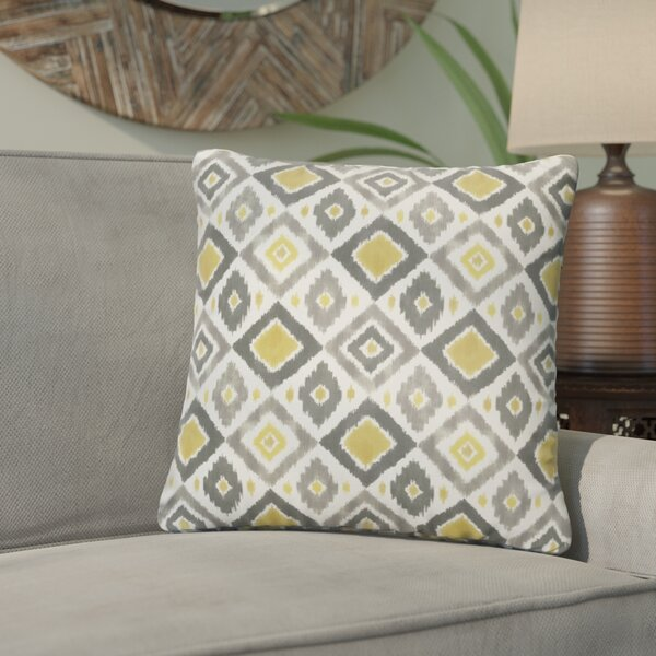 Socoma Outdoor Throw Pillow (Set of 2) by Bungalow Rose