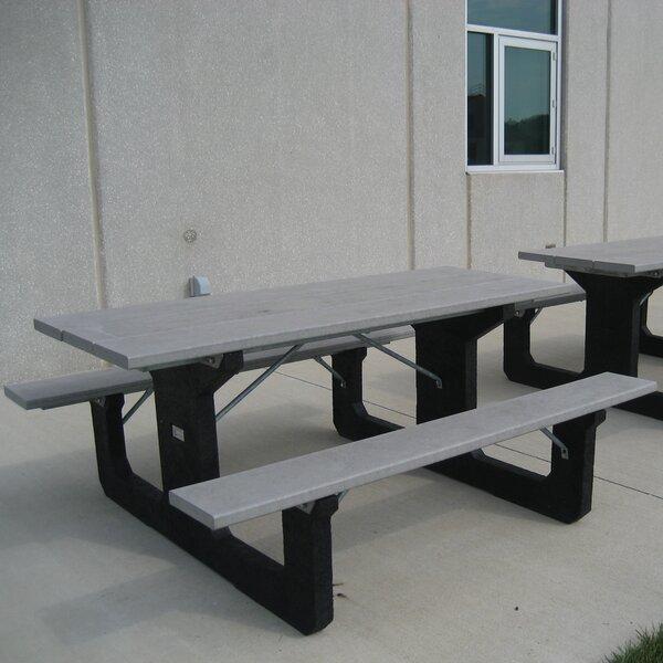 Simons Picnic Table by Freeport Park