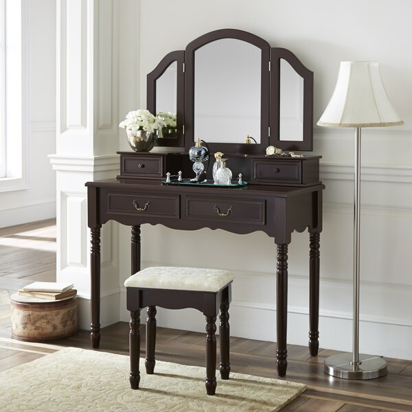 Wolfson Vanity Set with Mirror by House of Hampton House of Hampton
