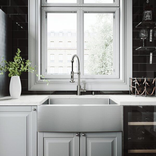 Vigo Bedford 30 L x 22 W Farmhouse Kitchen Sink wi