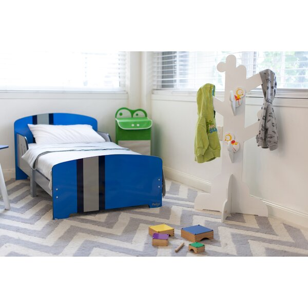 Classically Cool Toddler Platform Bed by Pkolino