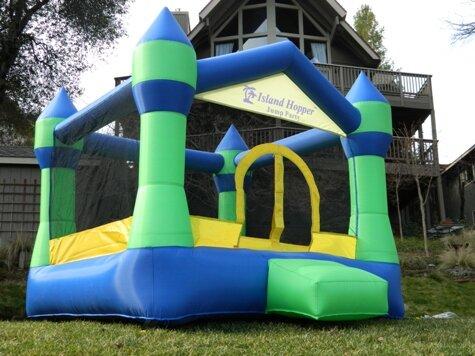 Jump Party Bounce House By Island Hopper.