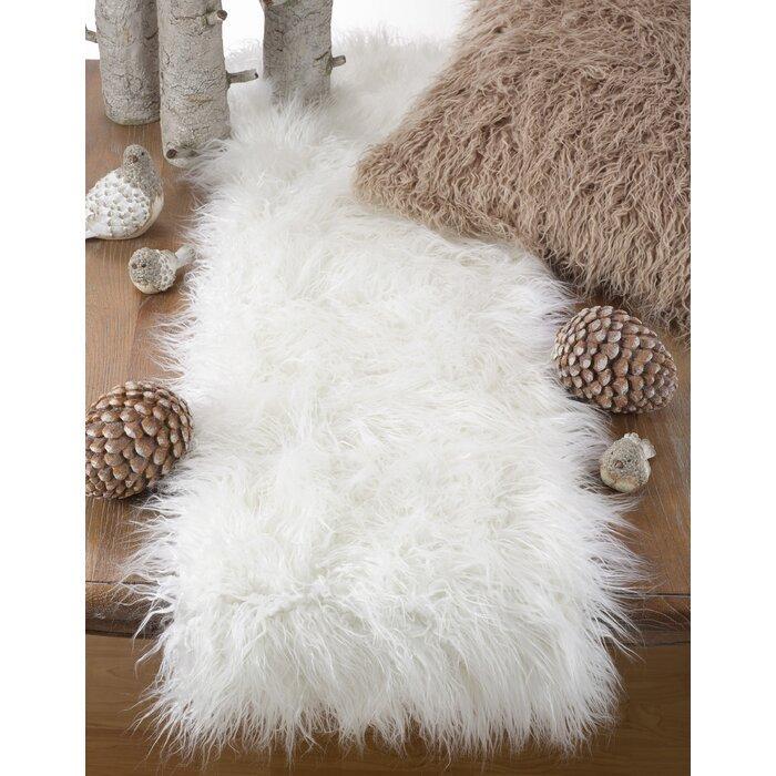 Rosdorf Park Pataskala Faux Fur Table