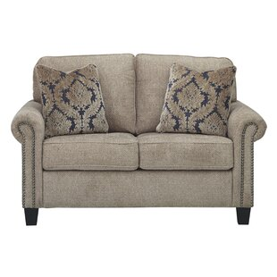 Valle Loveseat