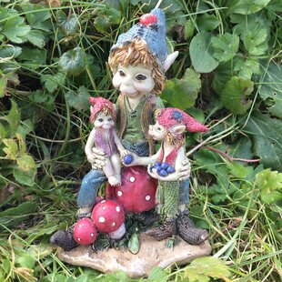 Exceptionnel Pixie Family Outdoor Garden Statue