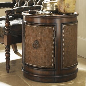 Landara Sandpiper End Table by Tommy Bahama ..