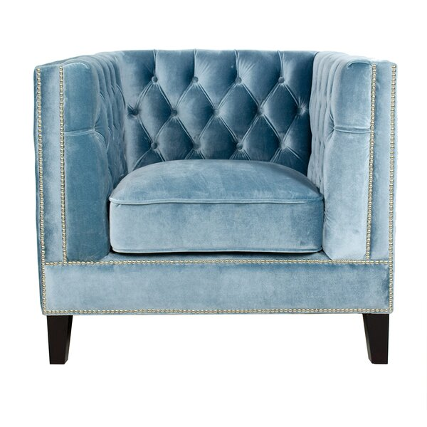 Review Victoria Armchair