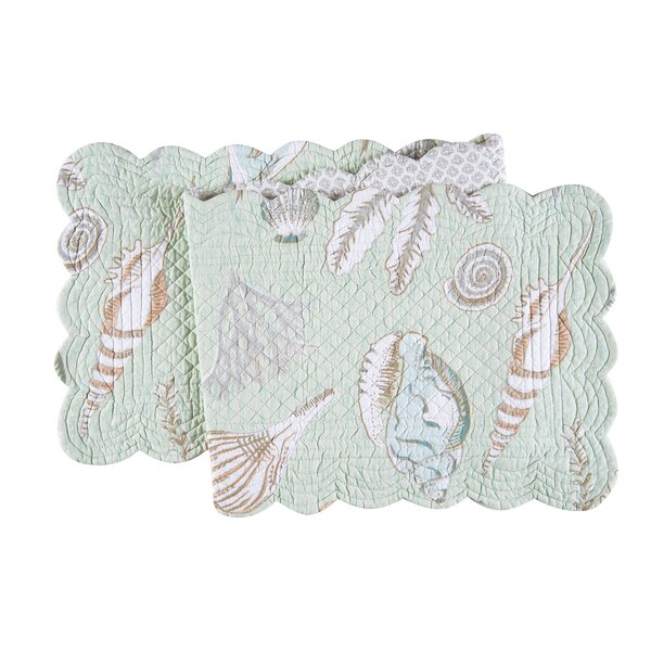Hahne Table Runner by Highland Dunes